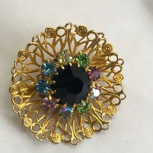 Beautiful vintage cut glass flower brooch